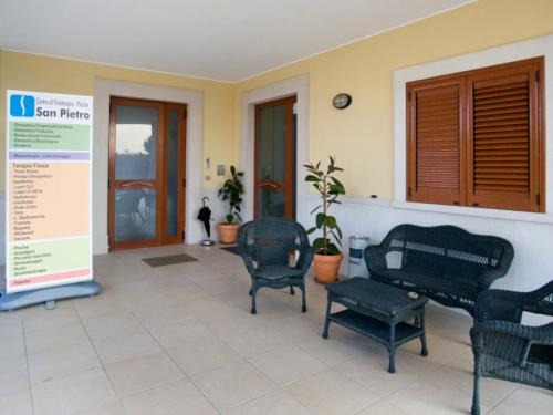 esterno-centro-di-fisioterapia-san-pietro-andria2