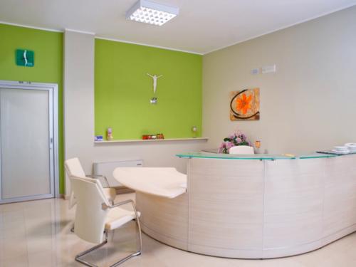 reception-centro-di-fisioterapia-san-pietro-andria1-1